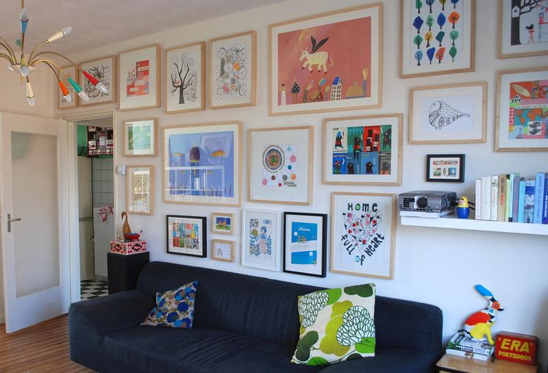 Галерея рисунков в интерьере гостиной комнаты
