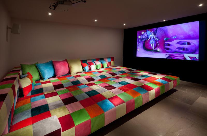Эклектичный интерьер домашнего кинотеатра - фото 3