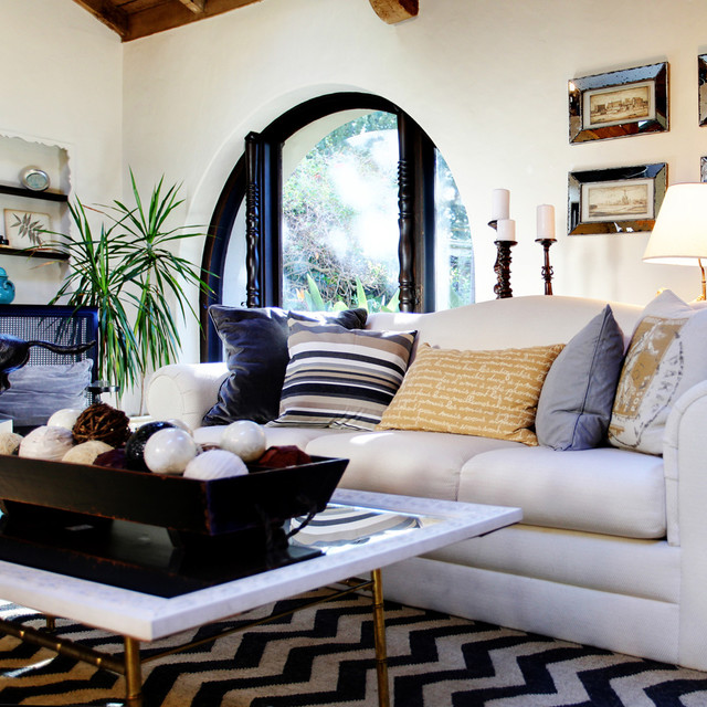 Интерьер гостиной в средиземноморском стиле