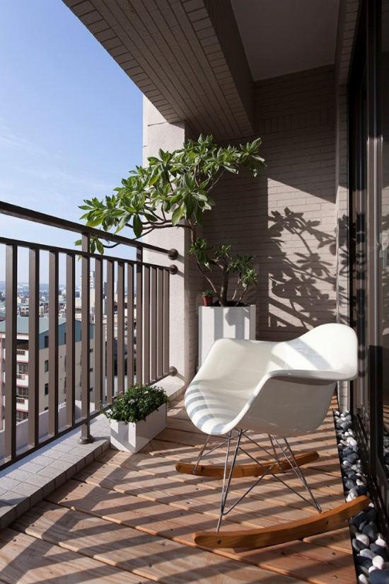 Балкон квартиры в японском стиле