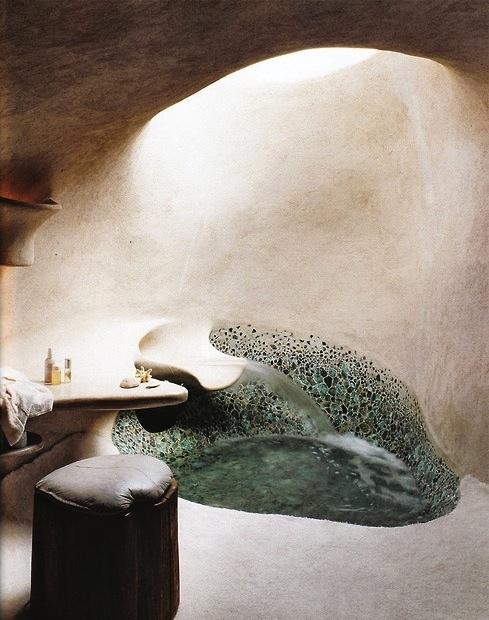 Необычная ванна грот