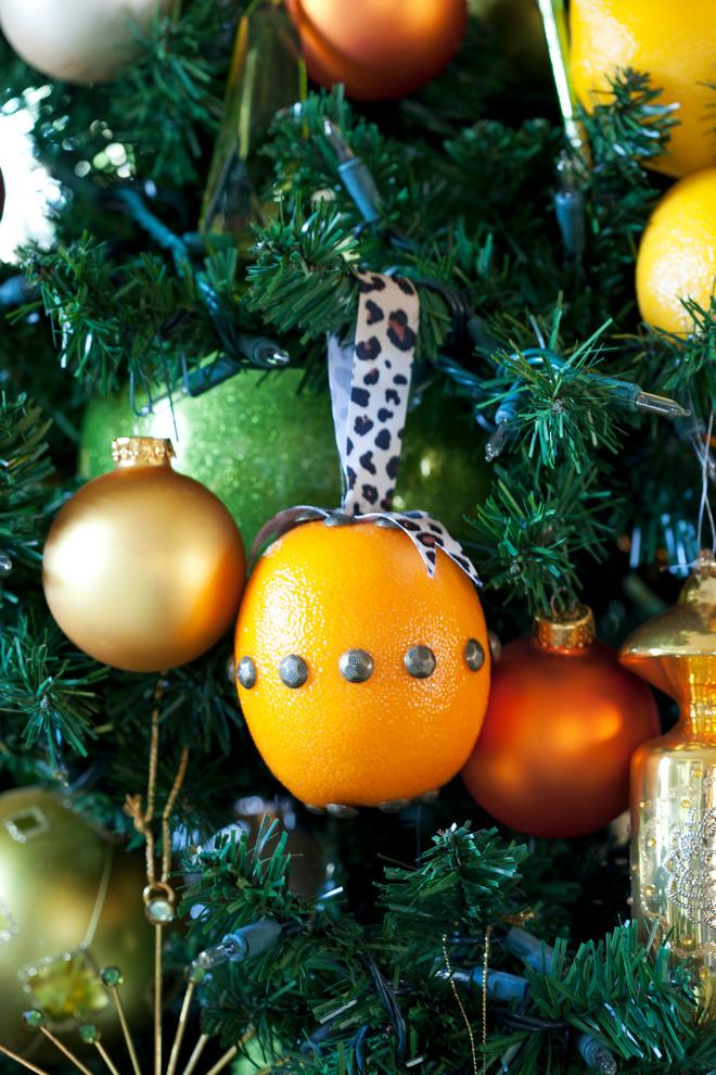 Новогодний декор интерьера - украшение елки