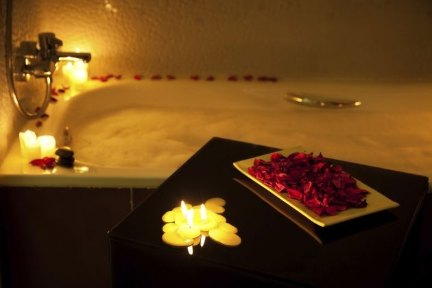 Романтично декорированная ванная комната