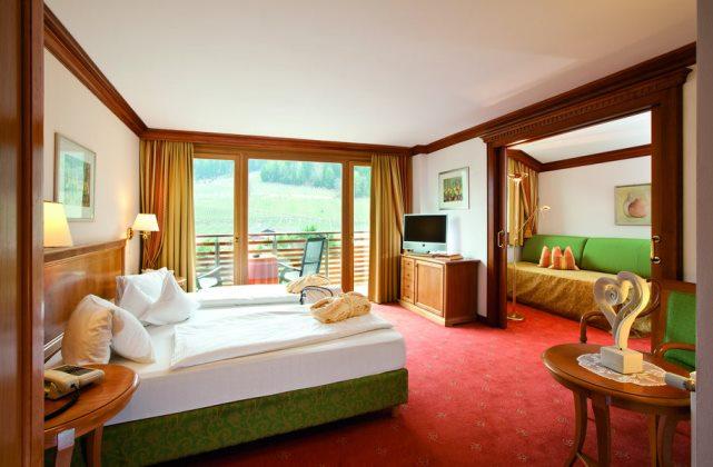 Современная спальня в стиле бидермейер