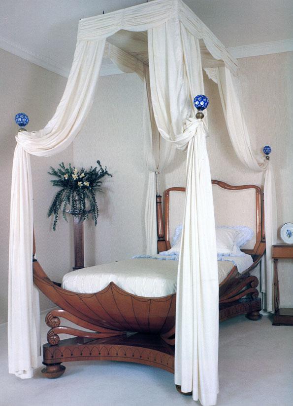 спальня с мебелью бидермейер