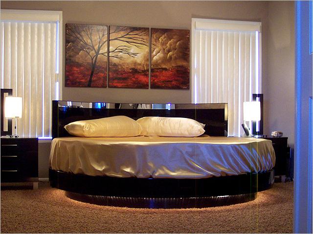 Круглая кровать — изюминка (5)