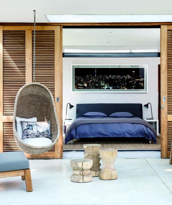 Спальня с подвесным креслом 14