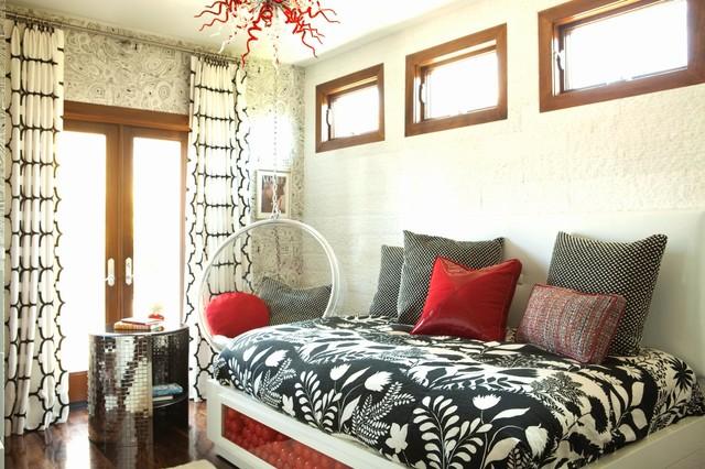 Спальня с подвесным креслом 15