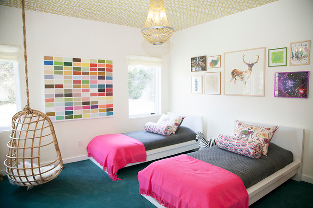 Спальня с подвесным креслом 10
