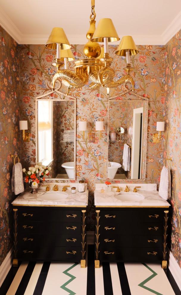 Отделка ванной обоями (9)
