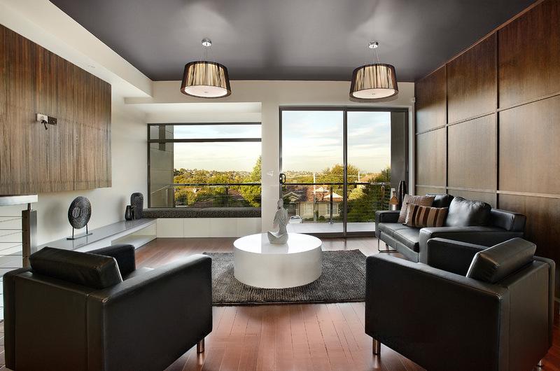 Современная гостиная с Bagnato архитекторов