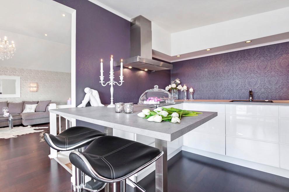 Кухня фиолетовая белая  № 1839146 бесплатно