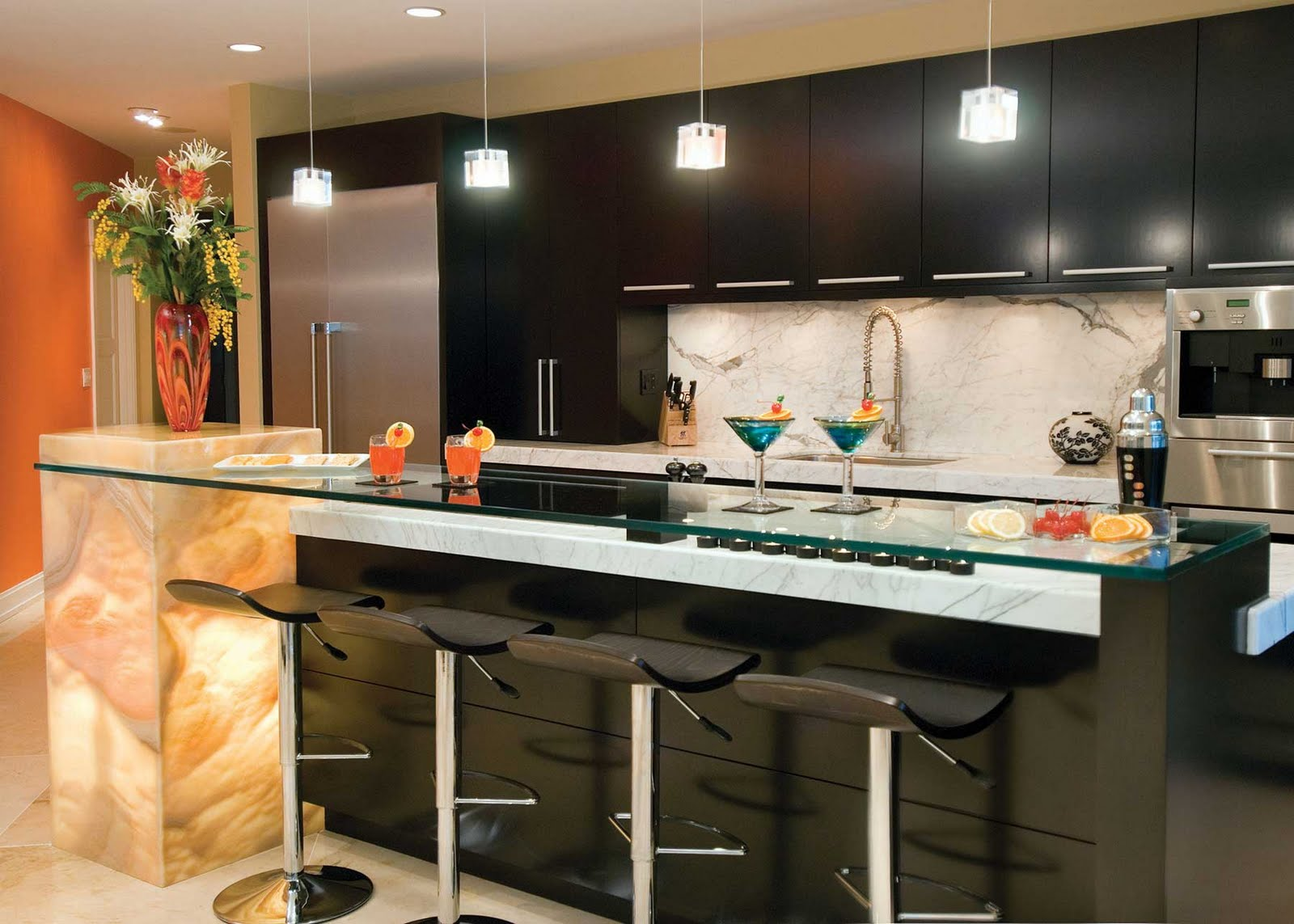 Оформление барной стойки на кухне