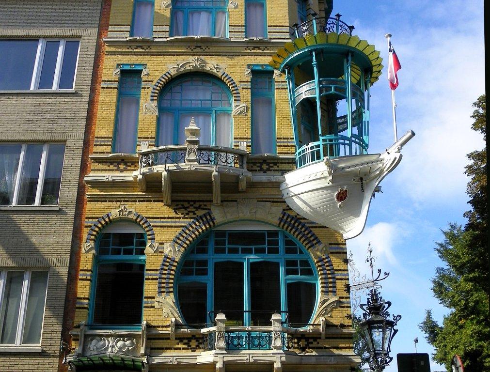Originalnaya-otdelka-balkonov-vnutri-i-snaruzhi 2