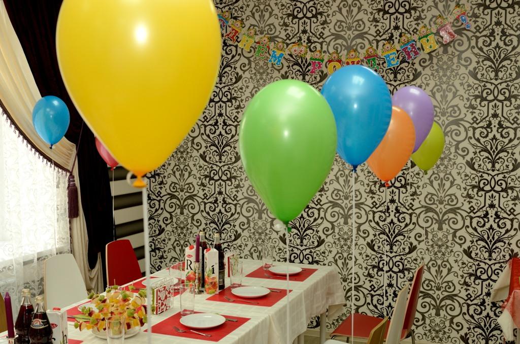 Kak-ukrasit-stol-na-den-rozhdeniya-----dekor-i-servirovka 13