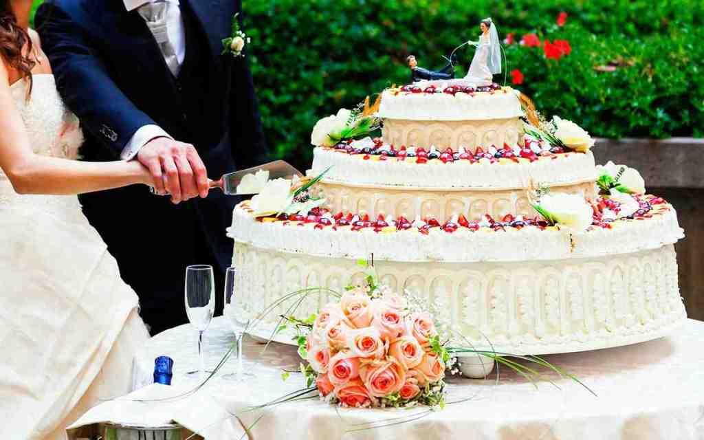 Ukrashenie-zala-na-svadbu-----magiya-dekora 9
