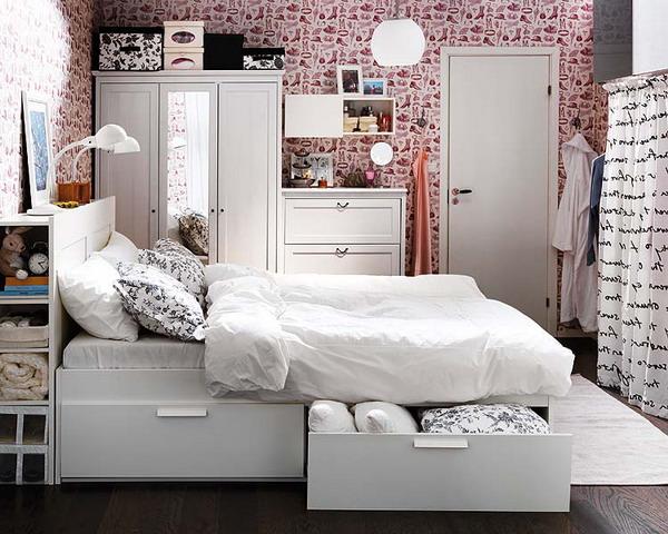 Oformlenie-spalni--12-idey-dlya-teh--kto-hochet-ratsionalno-organizovat-prostranstvo 14