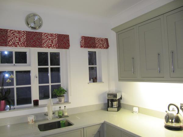 шторы для кухни – римские (7)