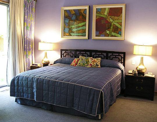Однотонные интерьеры в спальной комнате