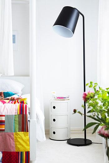 стильная спальня с цветовым акцентом
