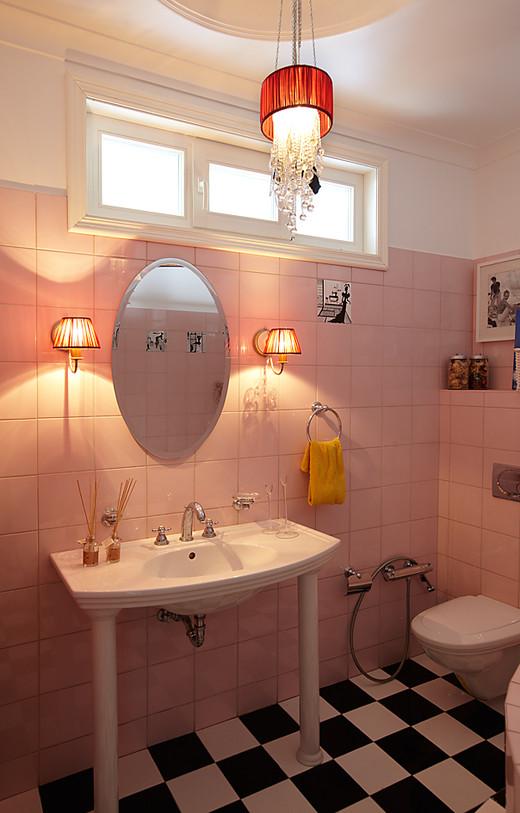 Декор ванной в трехкомнатной квартире