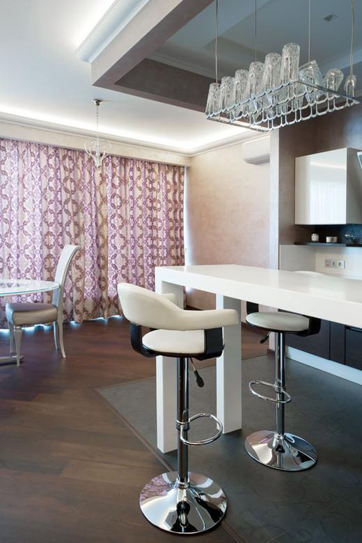 дизайн кухни в четырехкомнатной квартире