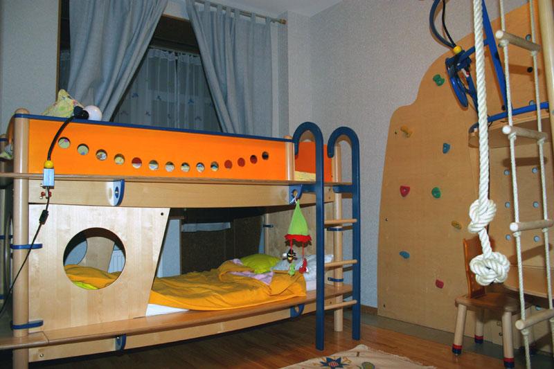 детская комната в 5-ти комнатной квартире