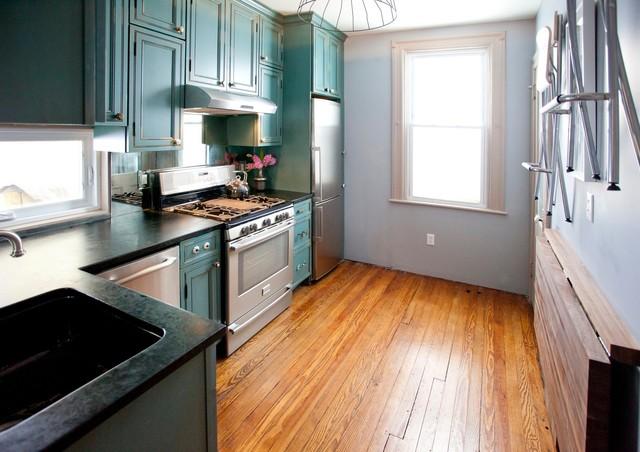 интерьер бирюзовой кухни