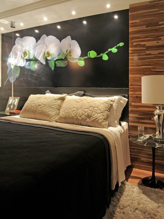 интерьер спальни с фотообоями цветы