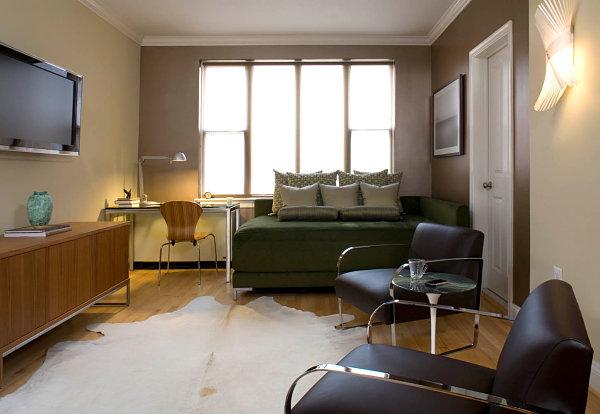 диван-кровать в квартире студии