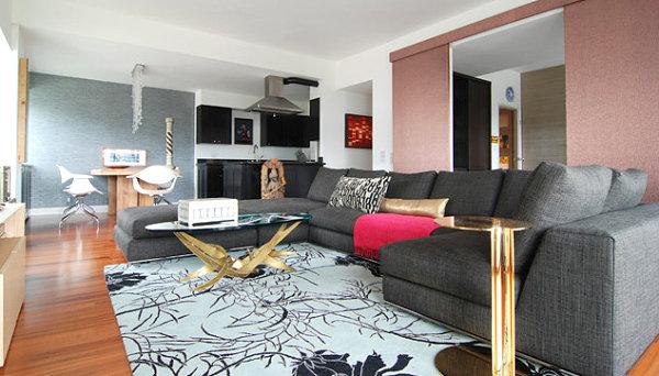 Серый и золотой в современной гостиной