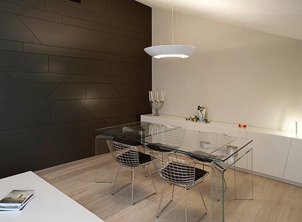 столовая в светлой квартире