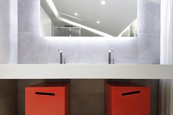 ванная в светлой квартире