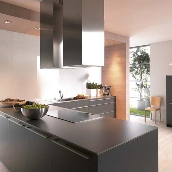 Матовая черная кухня