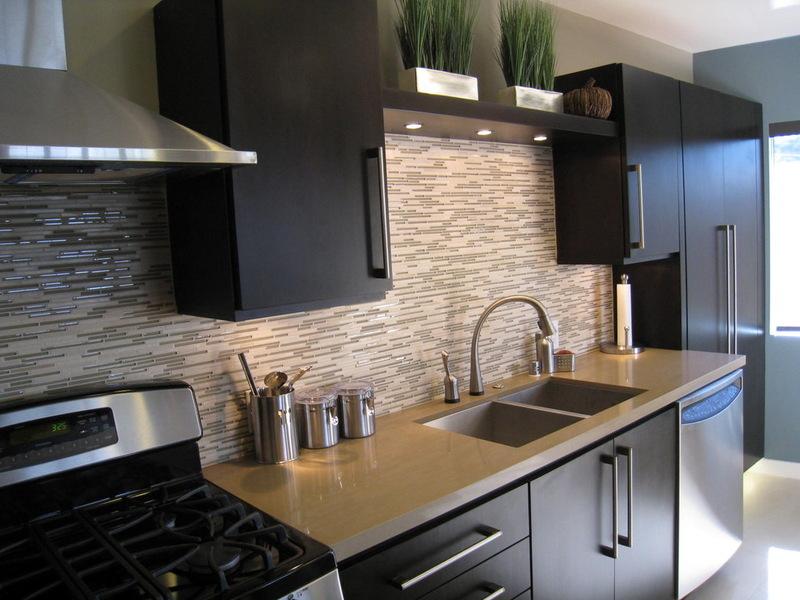 сочетание цветов в кухне черного цвета