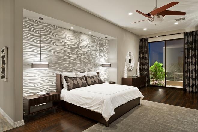 стена белого цвета в спальне