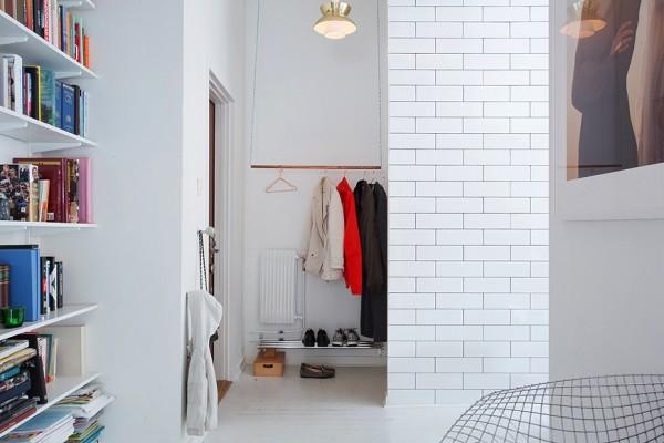 интерьер прихожей - шкаф без дверей