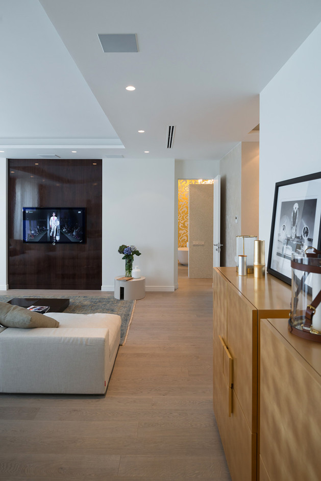 медиа-центр в гостиной квартиры студии