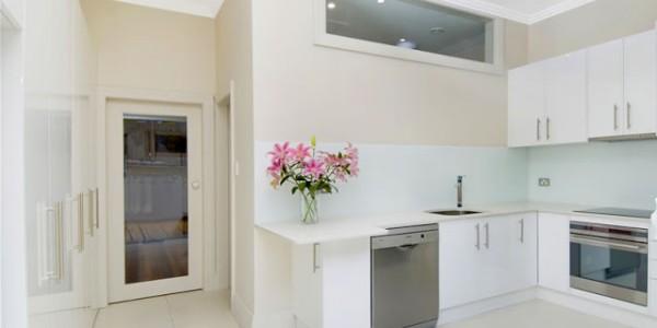 Белые кухни-8