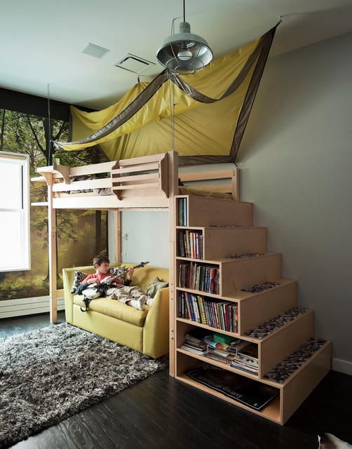 Кровать-чердак с полками в ступеньках