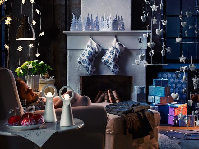 серебристо-синее украшение дома к Новому Году