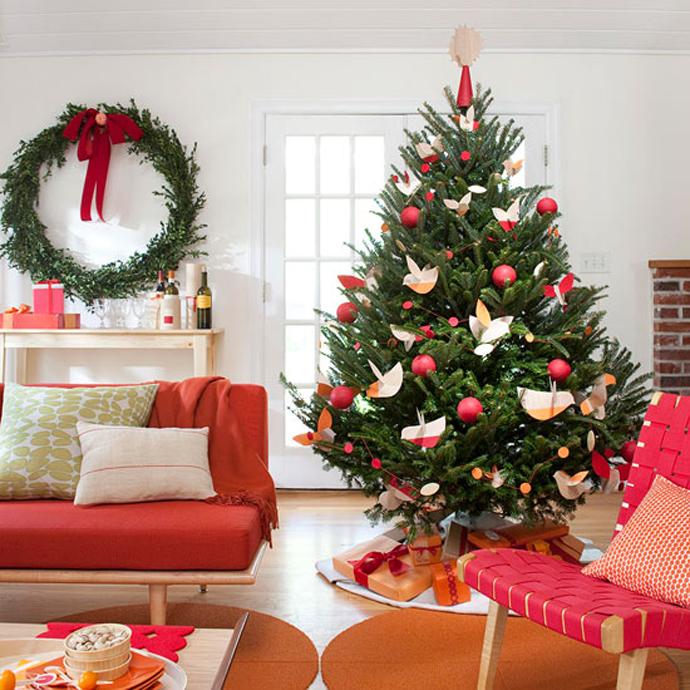 Классическое красно-зеленое оформление дома к Новому Году
