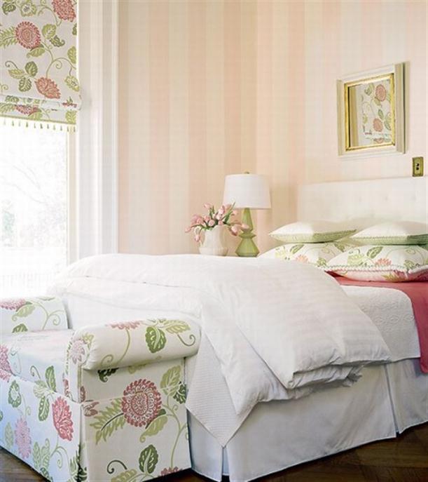 Красивая спальня в французском стиле