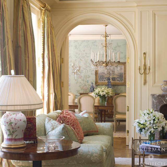 Красивая гостиная во французском стиле