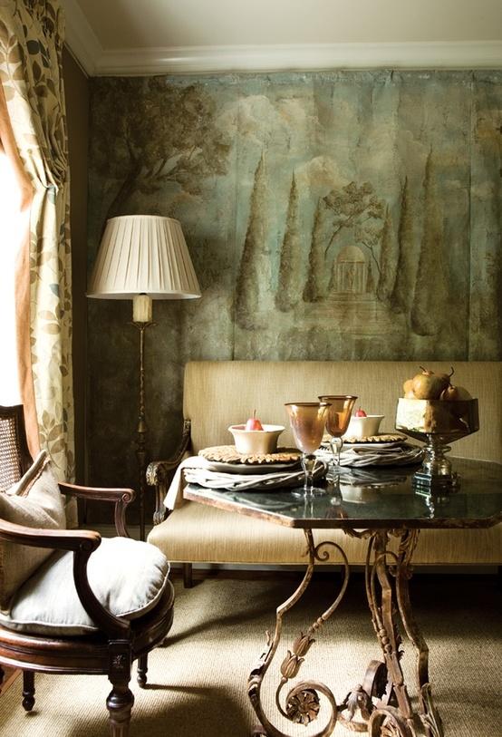 Французский стиль в интерьере небольшой гостиной