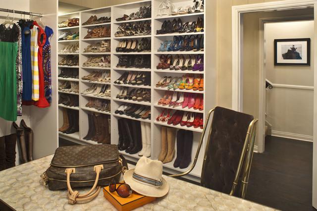 Обувница в гардеробных комнатах