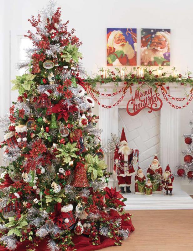 На фото украшение елки к Рождеству