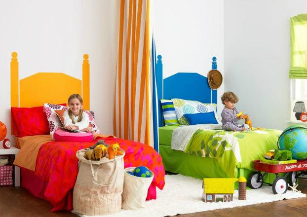 Яркий дизайн комнаты для разнополых детей