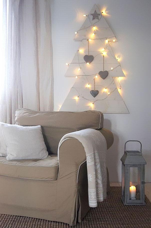 Новогодняя елка из гирлянд