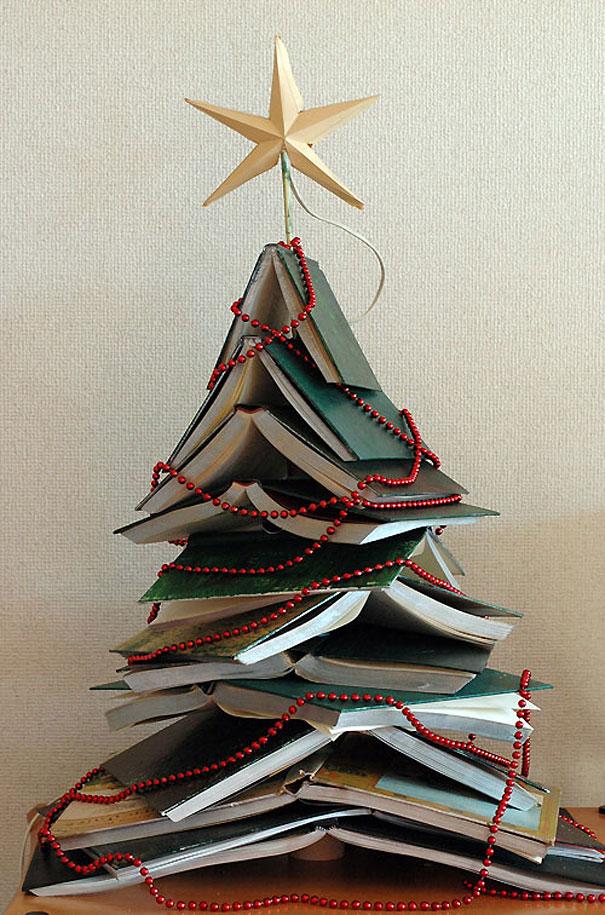 Букинистическая новогодняя елка